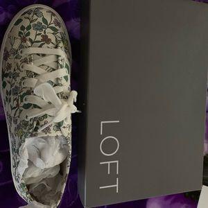Ann Taylor Sneaker